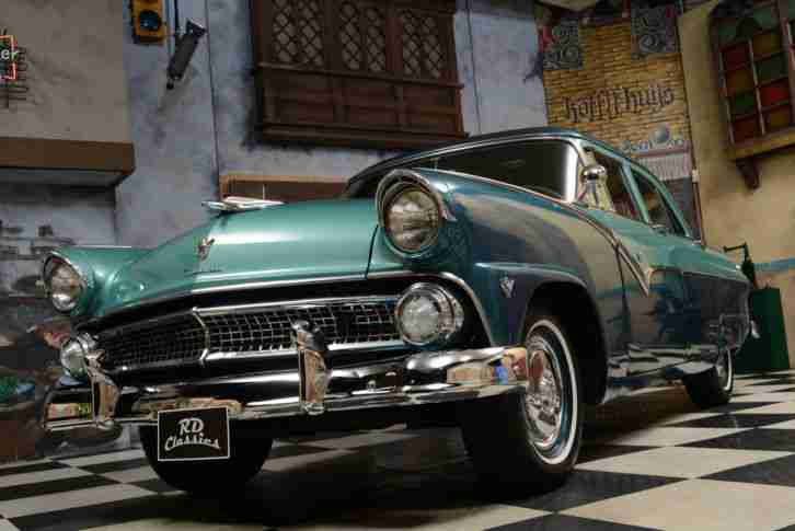 1955 Ford Fairlane Town Sedan 2 tone paint Automatic V8