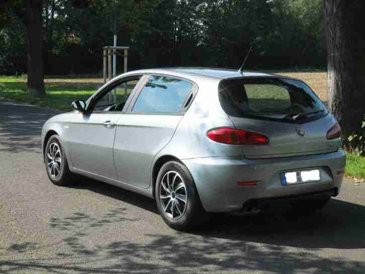 alfa romeo 147 1 6l twin spark facelift 5 beste alfa romeo zu verkaufen. Black Bedroom Furniture Sets. Home Design Ideas