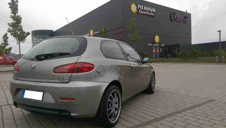 alfa romeo 147 jtdm m jet 150ps 6gang beste alfa romeo zu verkaufen. Black Bedroom Furniture Sets. Home Design Ideas