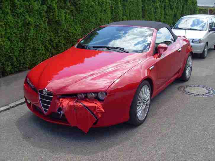 Alfa Spider 3.2 JTS V6 24V Q4 Exclusive 1.Hand TOP