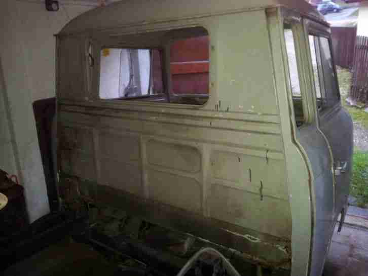 barkas b1000 pritschenwagen ifa ddr super topseller oldtimer car group. Black Bedroom Furniture Sets. Home Design Ideas