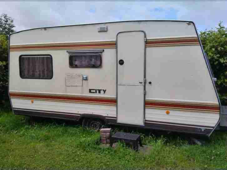 b rstner city 450 mit t v wohnwagen wohnmobile. Black Bedroom Furniture Sets. Home Design Ideas