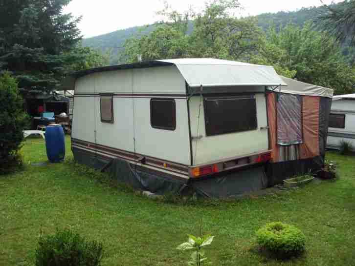 b rstner lux wohnwagen standwohnwagen vorzelt wohnwagen. Black Bedroom Furniture Sets. Home Design Ideas