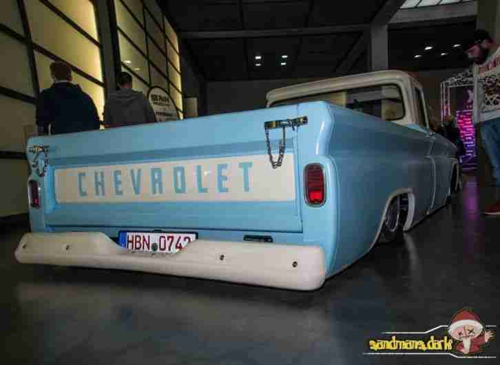 Chevy C10 Pickup Hotrod Airride Accuair
