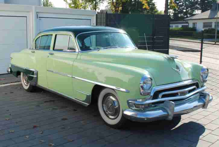 Chrysler New Yorker Deluxe 1954 V8 Hemi 5.4L 235 PS