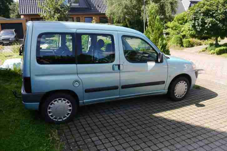 Citroen Berlingo türkisblau