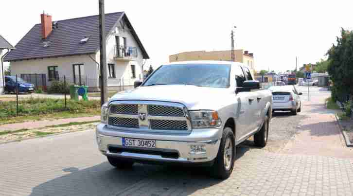 dodge ram 1500 4 x 4 top zustand 4 7 v8 310ps die. Black Bedroom Furniture Sets. Home Design Ideas