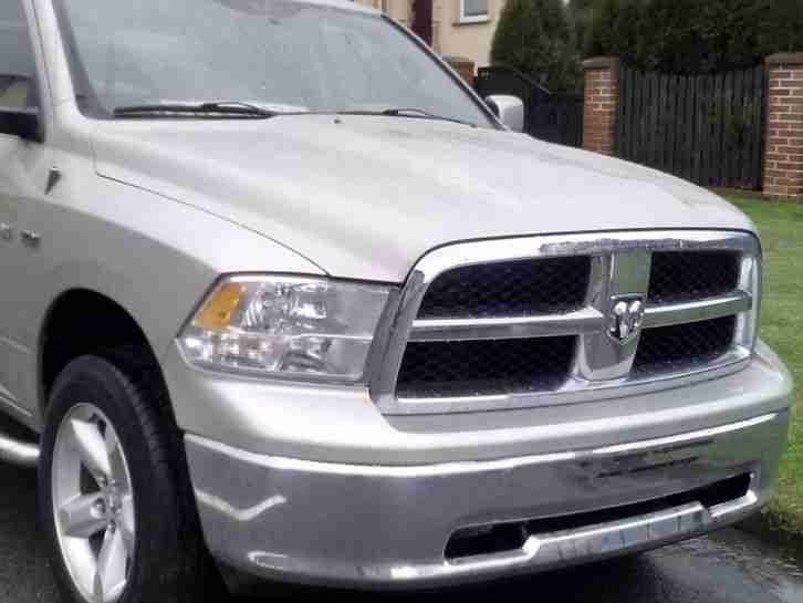 dodge ram 1500 hemi 4x4 new model 2010bj die besten angebote amerikanischen autos. Black Bedroom Furniture Sets. Home Design Ideas