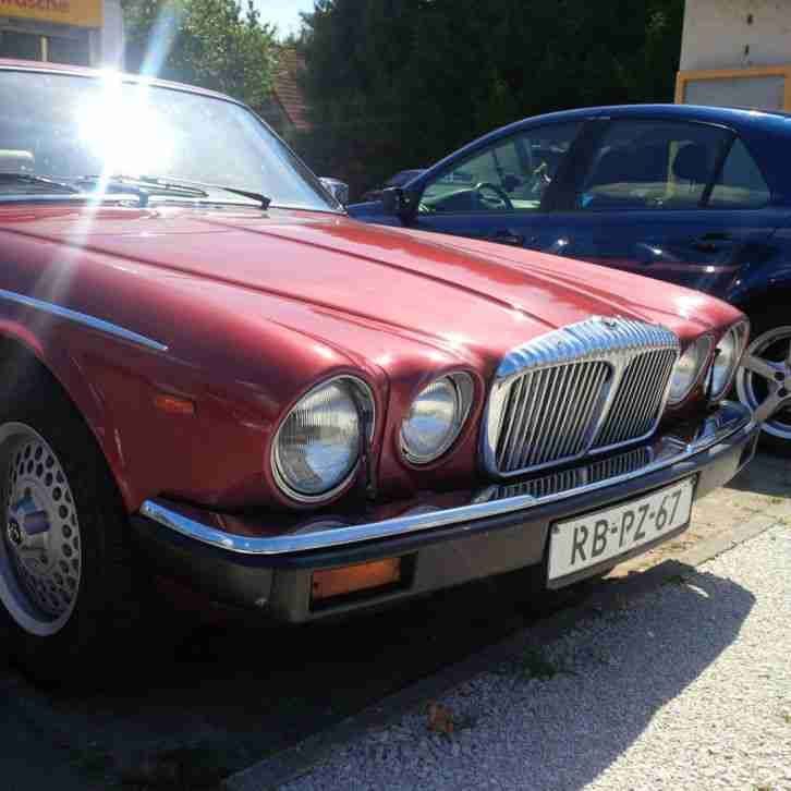 Daimler Double Six Rot Metallic BJ 88