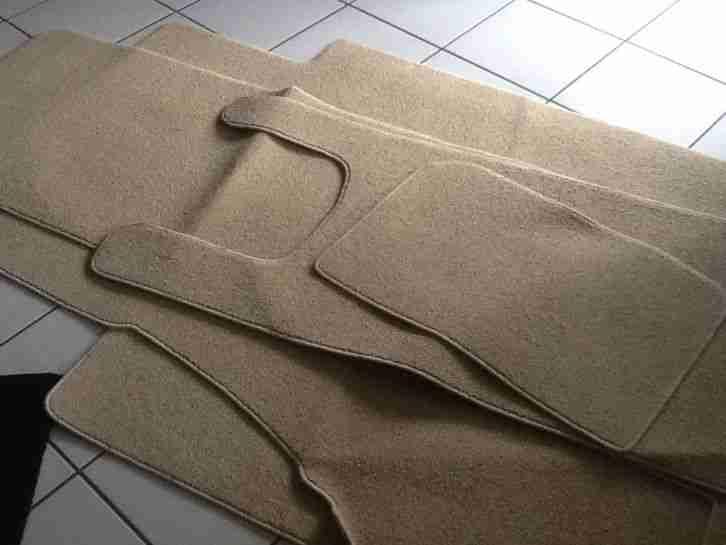 wohnwagen qek junior wohnwagen wohnmobile. Black Bedroom Furniture Sets. Home Design Ideas