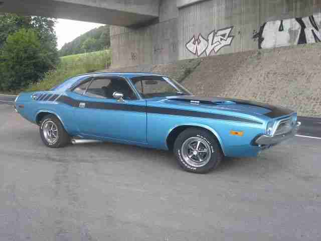 Dodge Challenger Muscle Car V8