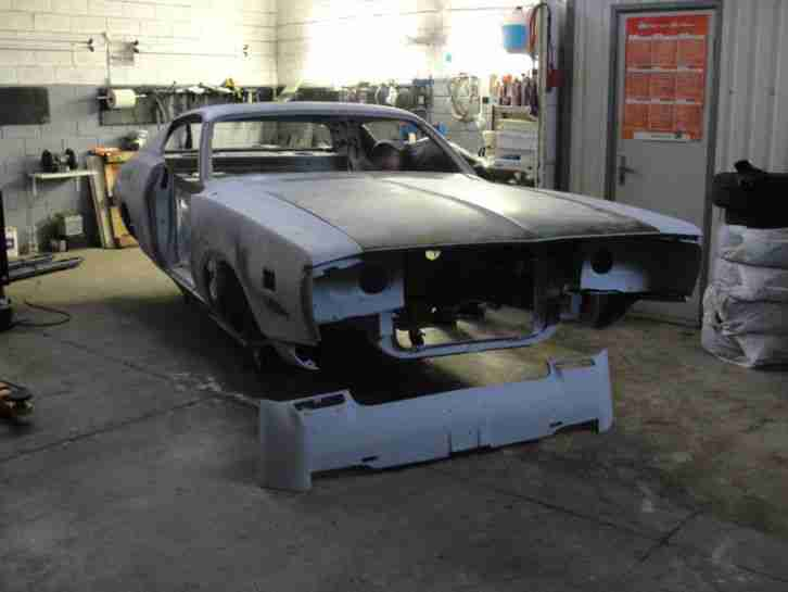Dodge Charger 1971 project car.Classic american US muscle.Mopar restomod V8