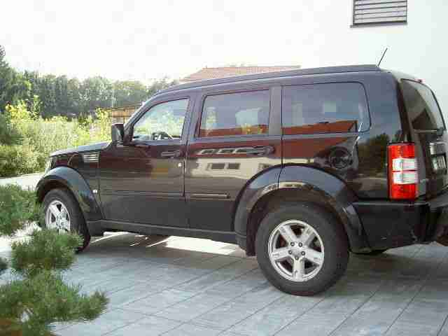 dodge nitro 2 8 crd dpf automatik ahk die besten angebote amerikanischen autos. Black Bedroom Furniture Sets. Home Design Ideas