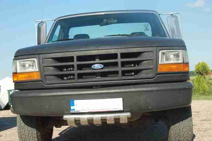 Ford F 150 XL 4x4 Schwarz MAT Pick up Truck US Military