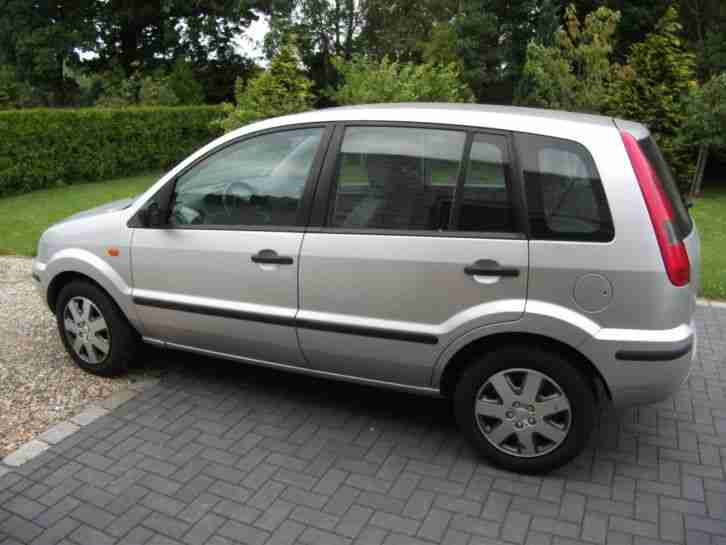 Ford Fusion 1, 4