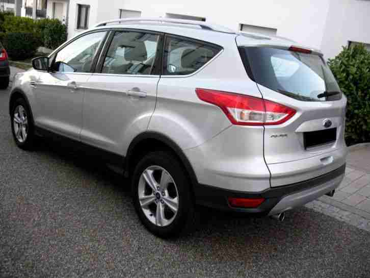 ford kuga 2 titanium 2 0 tdci neues model tolle. Black Bedroom Furniture Sets. Home Design Ideas