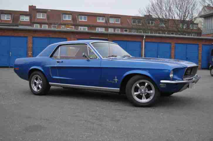 Ford Mustang 1968 rotes Leder