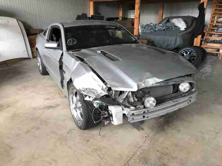 Mustang 2013 Unfall Auto 5.0 GT v8 20 zoll tuning