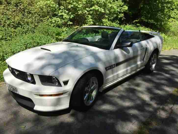 Ford Mustang V8 GT California Special Limited