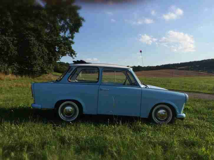 himmelblauer trabant 601 mit faltdach t v fast angebote gebrauchtwagen trabant. Black Bedroom Furniture Sets. Home Design Ideas