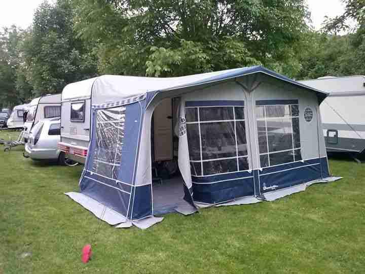 hobby 400 mit vorzelt vorzeltteppich ersatzrad wohnwagen. Black Bedroom Furniture Sets. Home Design Ideas