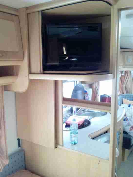hobby 540 wlu exclusive mit mover und wohnwagen. Black Bedroom Furniture Sets. Home Design Ideas