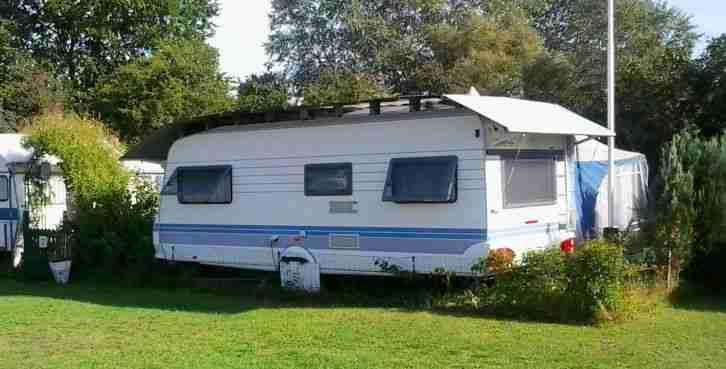 hobby wohnwagen 540 mit vorzelt schutzdach und. Black Bedroom Furniture Sets. Home Design Ideas