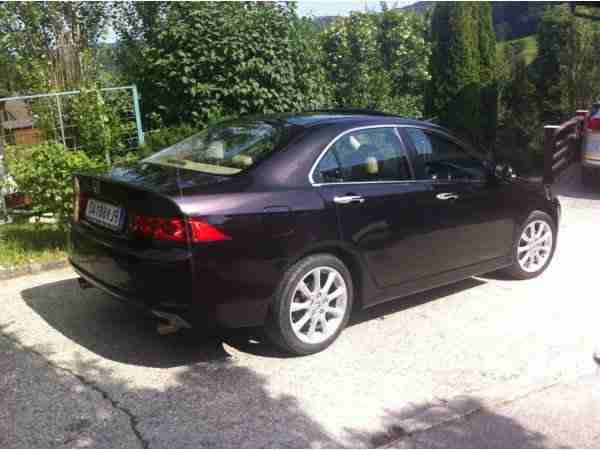 Honda Accord 2,4 VTec Executive Aut.