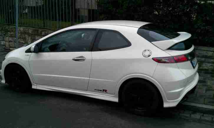 Honda Civic Typer R Championship White Edition