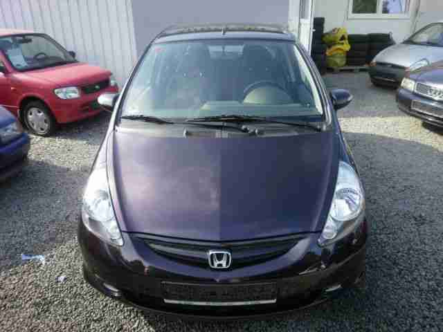 honda jazz 1 4 ls 1 hand l ckenlosescheckheft tolle angebote in honda. Black Bedroom Furniture Sets. Home Design Ideas