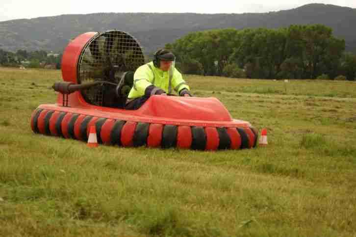hovercraft luftkissenfahrzeug freizeitmobil. Black Bedroom Furniture Sets. Home Design Ideas