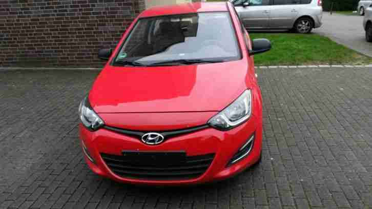 hyundai i20 ez 2012 nur 8380 km euro 5 angebote kategorie hyundai. Black Bedroom Furniture Sets. Home Design Ideas