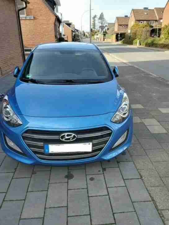 Hyundai i30 blue 1. 6 GDI Passion Bj 2016