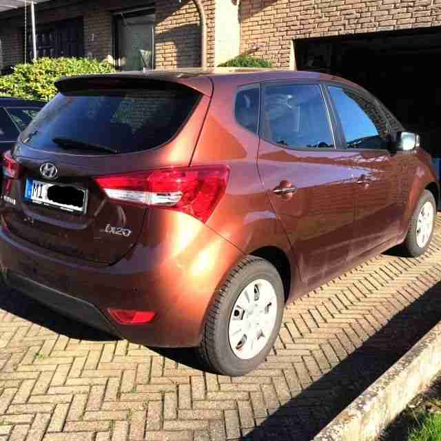 hyundai ix20 1 6 automatik style 4000 km angebote. Black Bedroom Furniture Sets. Home Design Ideas