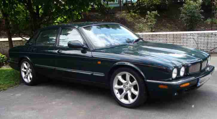 Jaguar XJR Limousine 4 türig Automatic in british racing green