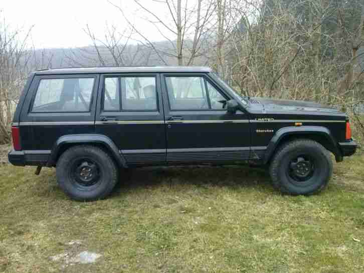 jeep cherokee xj 4 0 mit t v gel ndewagen 4x4 die besten angebote amerikanischen autos. Black Bedroom Furniture Sets. Home Design Ideas