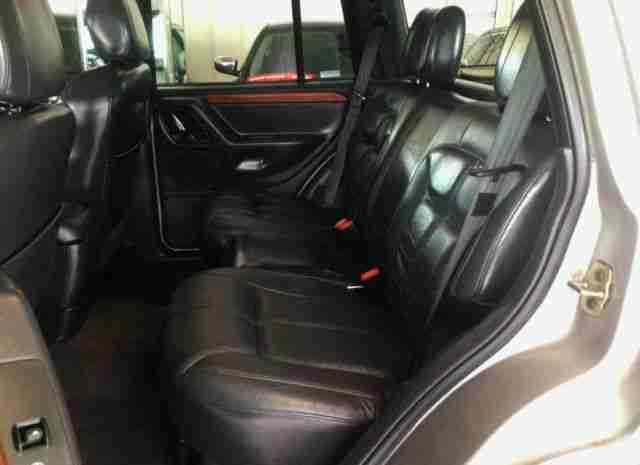 jeep grand cherokee 4 7 v8 4x4 lpg gas leder angebote. Black Bedroom Furniture Sets. Home Design Ideas