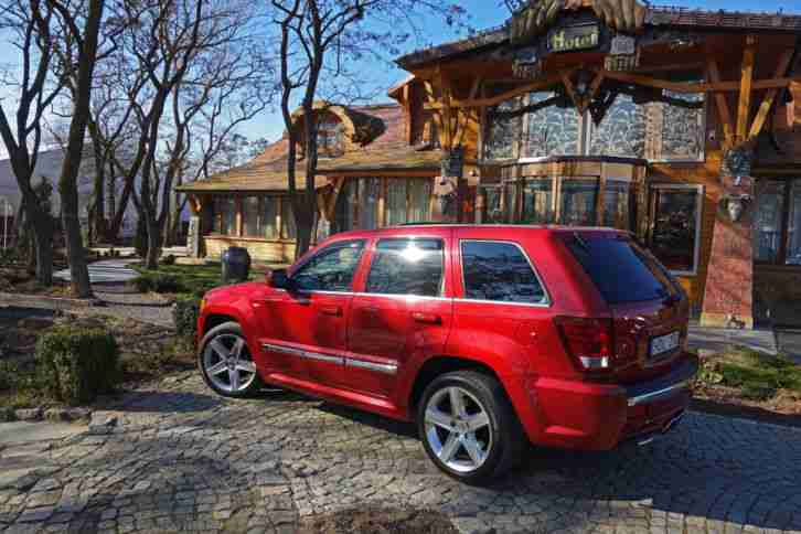 jeep grand cherokee srt8 die besten angebote amerikanischen autos. Black Bedroom Furniture Sets. Home Design Ideas