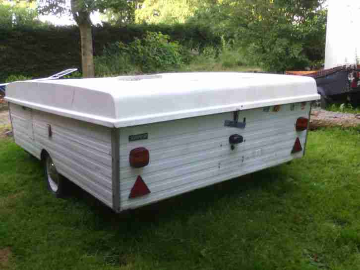 klapp wohnwagen gartenfund ohne papiere wohnwagen. Black Bedroom Furniture Sets. Home Design Ideas