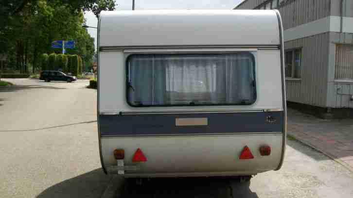 kleiner oldtimer wohnwagen adria 305 sl wohnwagen wohnmobile. Black Bedroom Furniture Sets. Home Design Ideas
