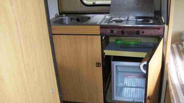 Etagenbett Im Wohnwagen Nachrüsten : Kleiner oldtimer wohnwagen knaus eifelland mit