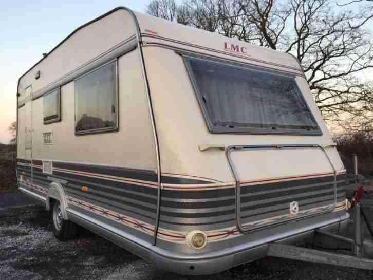 lmc luxus 490 k reisefertig mit 100km h wohnwagen. Black Bedroom Furniture Sets. Home Design Ideas