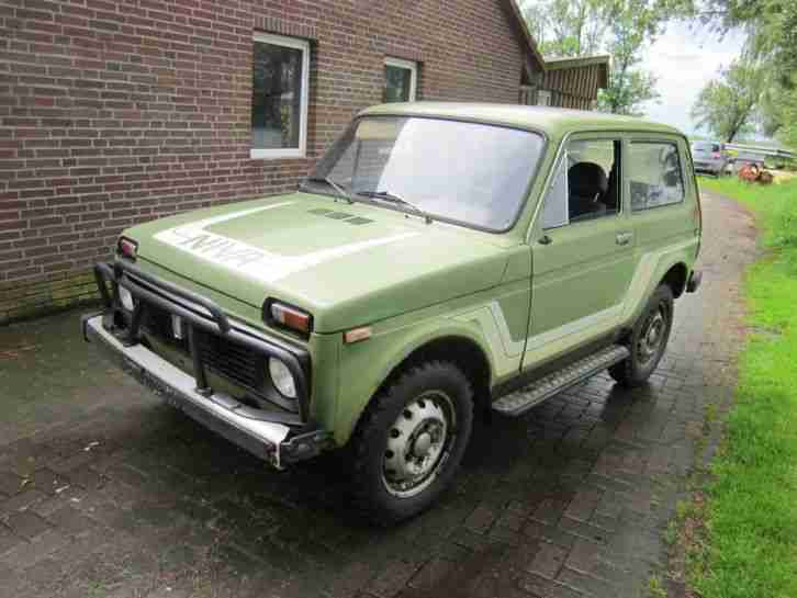 lada niva 5 speed hunter 4x4 bullfang vorn topseller oldtimer car group. Black Bedroom Furniture Sets. Home Design Ideas