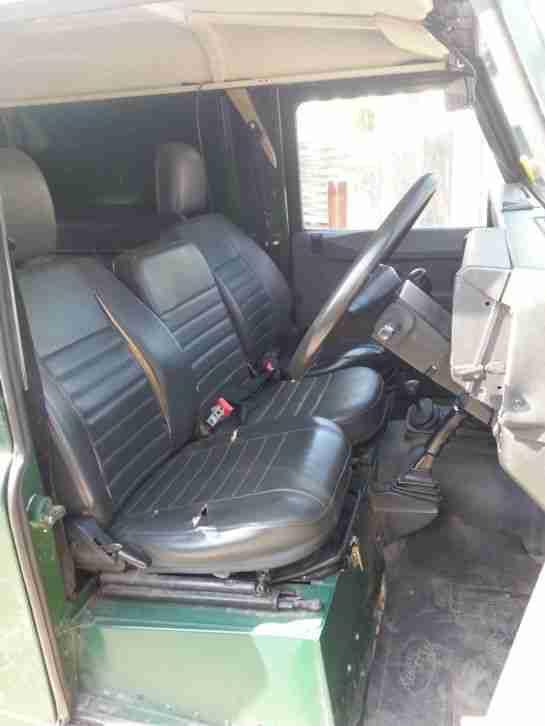 land rover defender 300tdi 110 angebote dem auto von. Black Bedroom Furniture Sets. Home Design Ideas