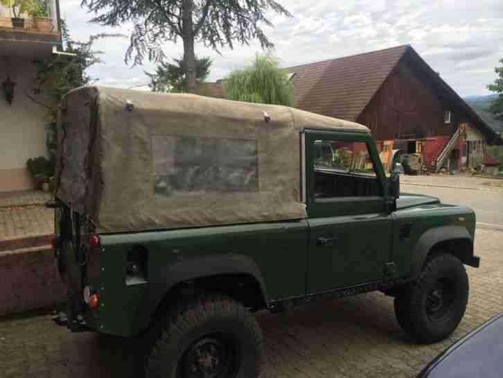 land rover defender 90 td5 soft top tolle angebote in rover. Black Bedroom Furniture Sets. Home Design Ideas