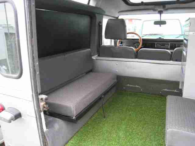 land rover defender 90 one world lkw winde ahk angebote. Black Bedroom Furniture Sets. Home Design Ideas