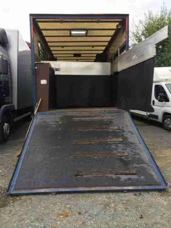 man pferdetransporter f r 3 4 pferde und nutzfahrzeuge. Black Bedroom Furniture Sets. Home Design Ideas