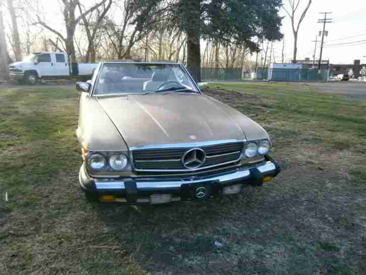 MERCEDES BENZ 560SL 1986 GOLD METALLIC LEDER