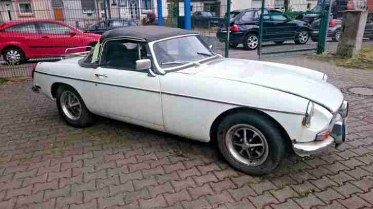 MGB CHROME MODEL mit OVERDRIVE 1972 RECHTS LENKER GB RESTAURATIONS OBJEKT
