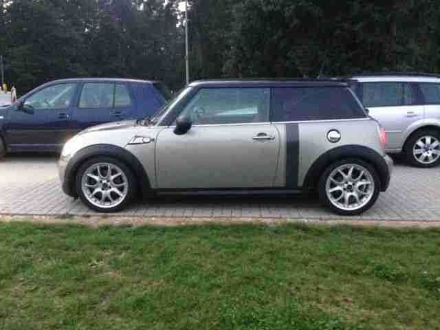 MINI Cooper S Xenon Navi Panorama Leder Chilli Pack